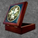 Doves Keep Box Rosewood Lacquer